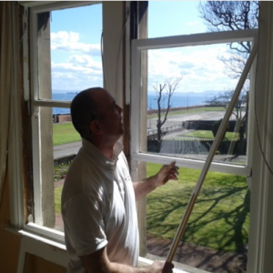 Greener Kirkcaldy handy service and sash-and-case window specialist Craig Begg fixes Marjory's windows