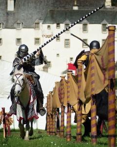 2. Les Amis (Jousting Scotland)