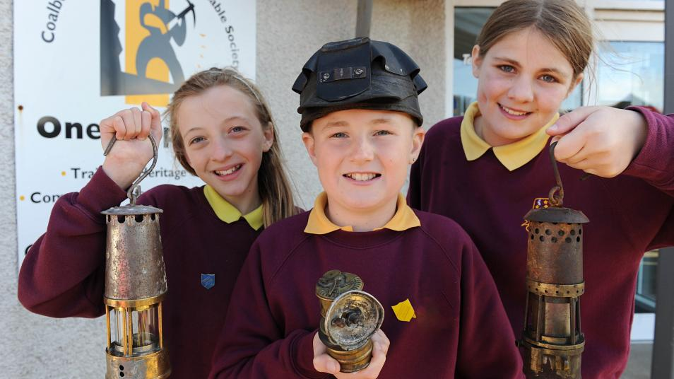 3 young people visiting a project in Coalburn, South Lanarkshire